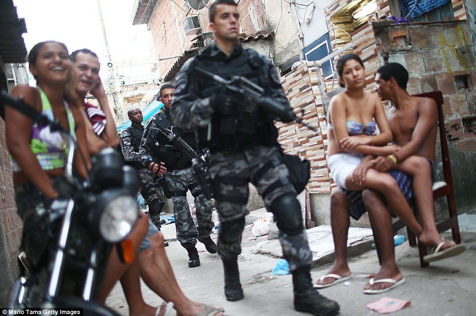 Brazilian police in the slums 8