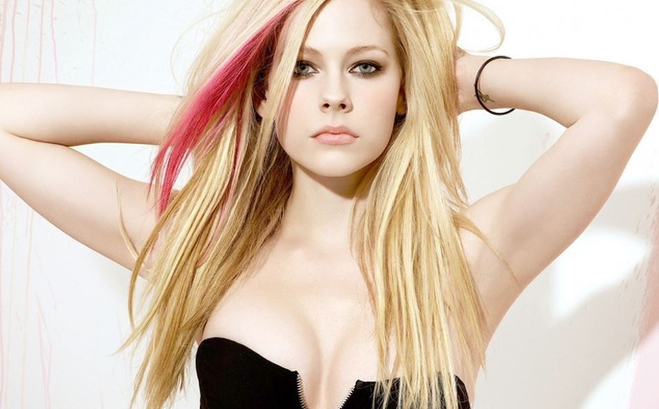 Avril lavigne leaked pictures